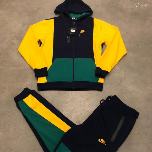 Nike Sweaters | Nike Sweatsuit For Sale